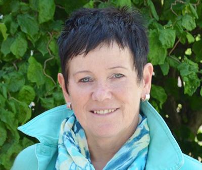 Frau Gabi Hess